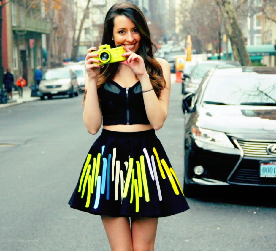 cute neon skirt outfit