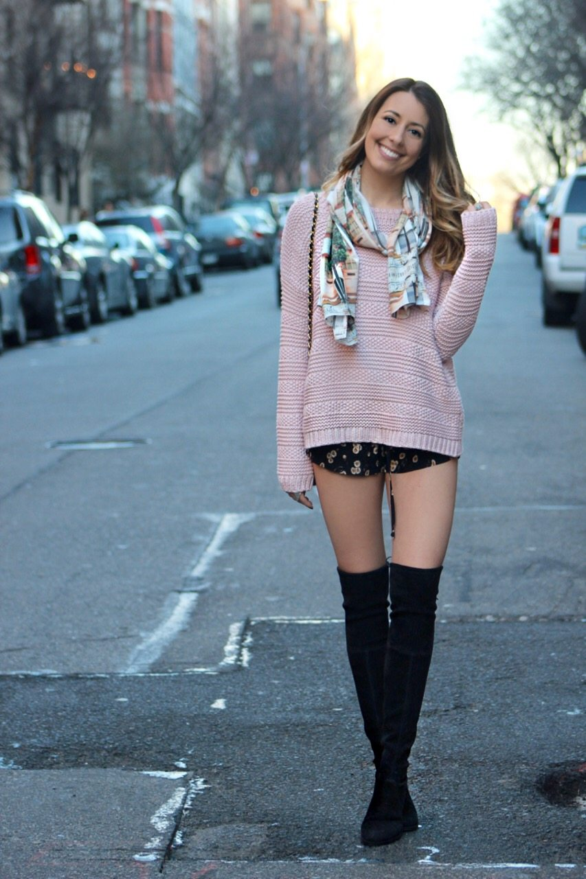 898e35af44eef Stalk My Style: Oversized Sweater & Mini Shorts. oversized sweater, mini  shorts & lowland over the knee boots